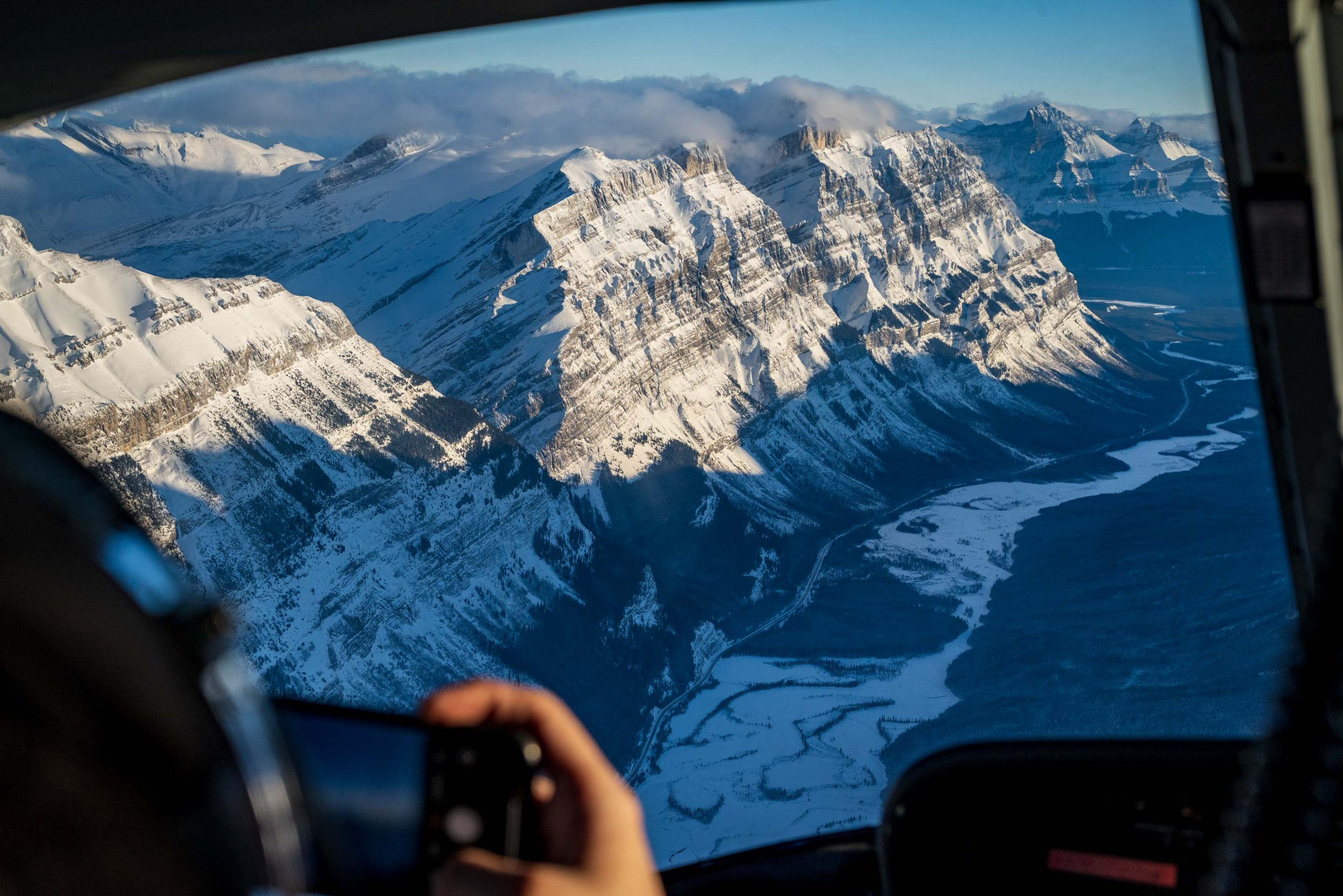 Abraham Lake Heli Tours